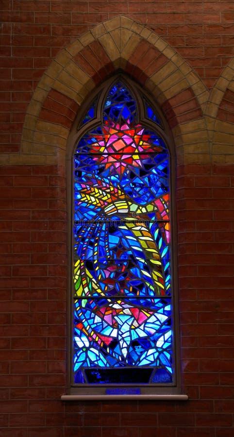 Ventana de cristal manchada de la iglesia fotografía de archivo