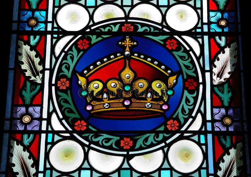 Ventana de cristal manchada en la catedral de St.Vitus, Praga fotos de archivo