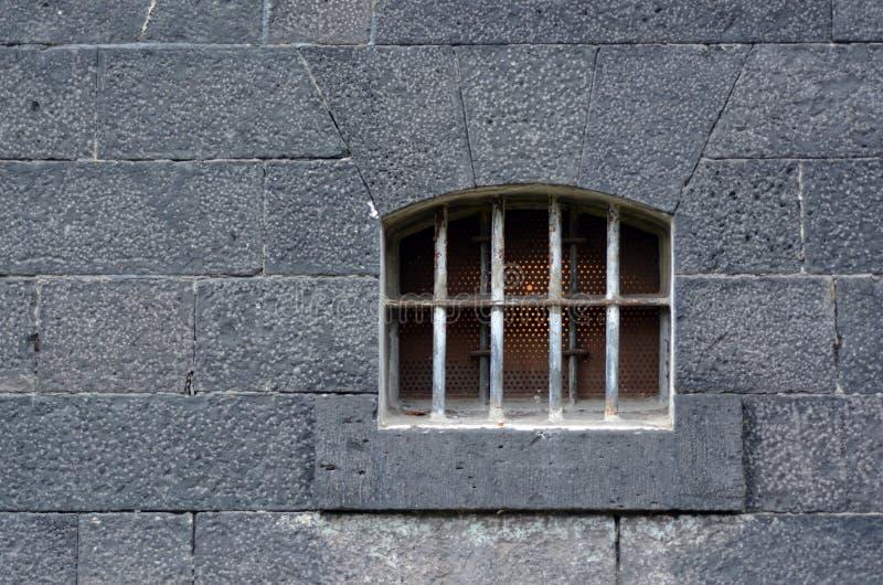 Ventana de la celda de prisión fotografía de archivo libre de regalías