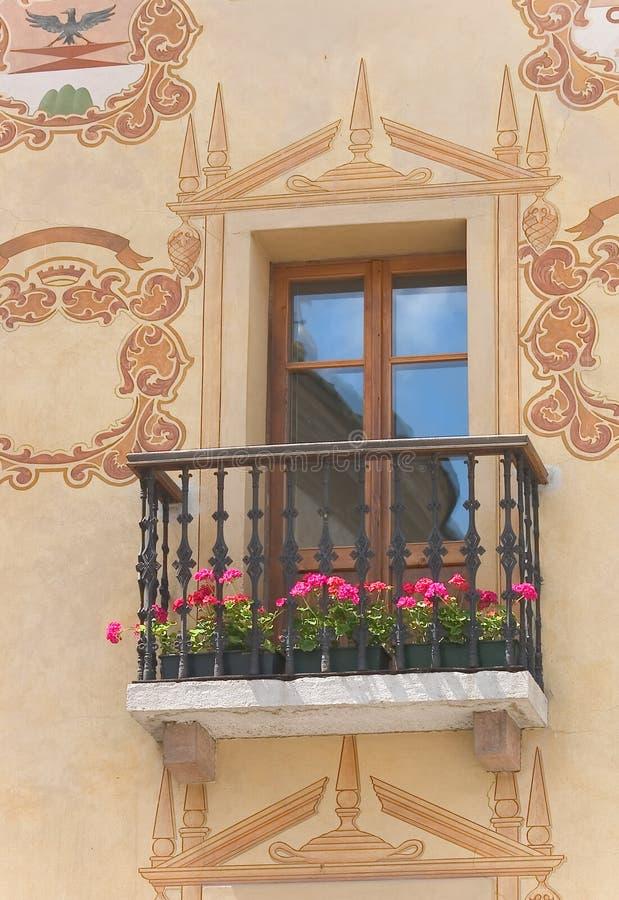 Ventana de la cortina - dolomías - Italia fotografía de archivo