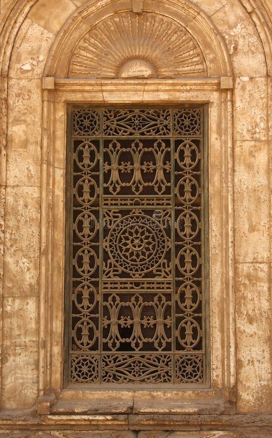 Ventana de la mezquita de El Cairo imagen de archivo libre de regalías