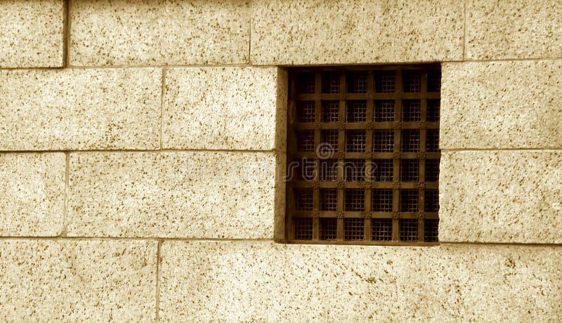 Ventana de la prisión fotografía de archivo libre de regalías