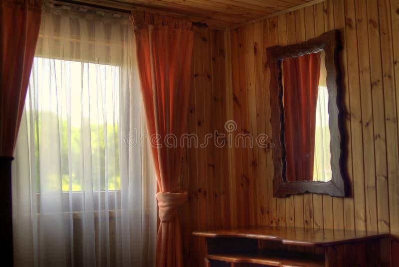Ventana de madera de la choza imagen de archivo libre de regalías