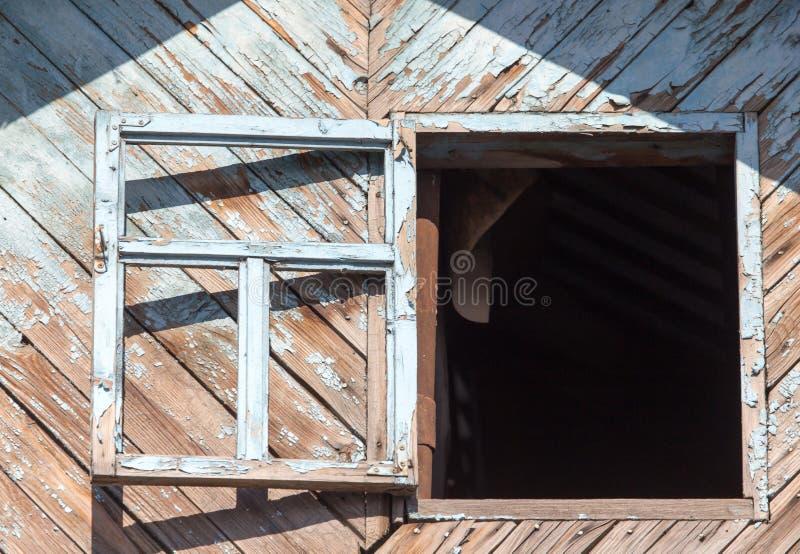 Ventana de madera vieja foto de archivo