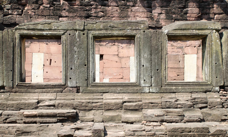 Ventana de piedra antigua imagen de archivo libre de regalías