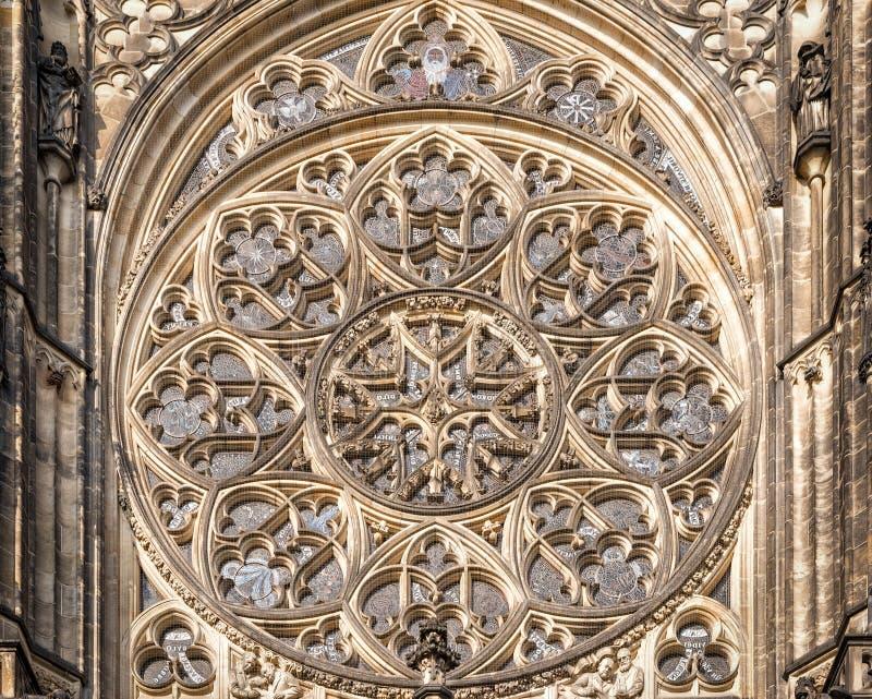 Ventana de Rose en la catedral del santo Vitus imagen de archivo libre de regalías