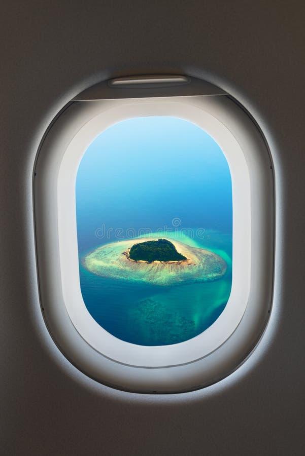 Ventana del aeroplano del interior de aviones imagen de archivo