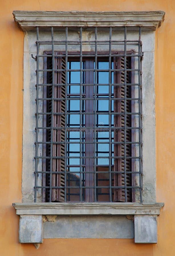 Download Ventana en Florencia imagen de archivo. Imagen de piedra - 1297237