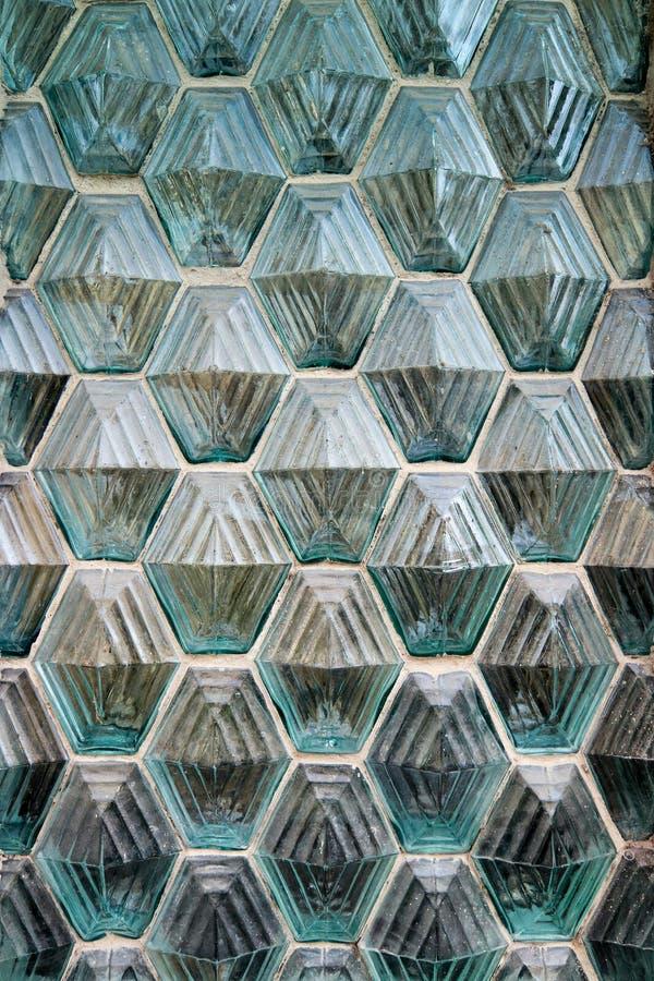 Ventana hecha de los bloques de cristal fotos de archivo