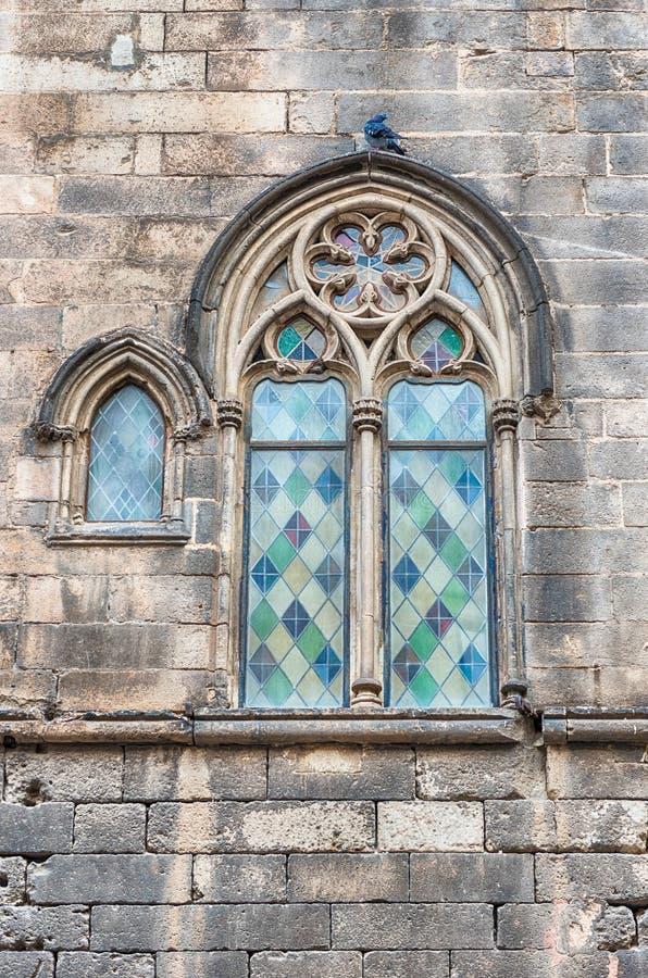 Ventana medieval en Placa del Rei, Barcelona, Cataluña, España fotografía de archivo libre de regalías