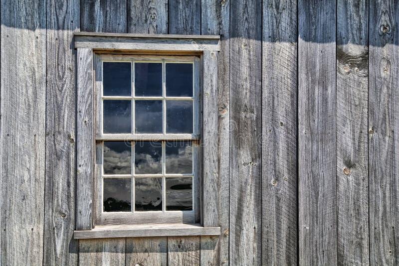 Ventana pionera de la casa fotos de archivo