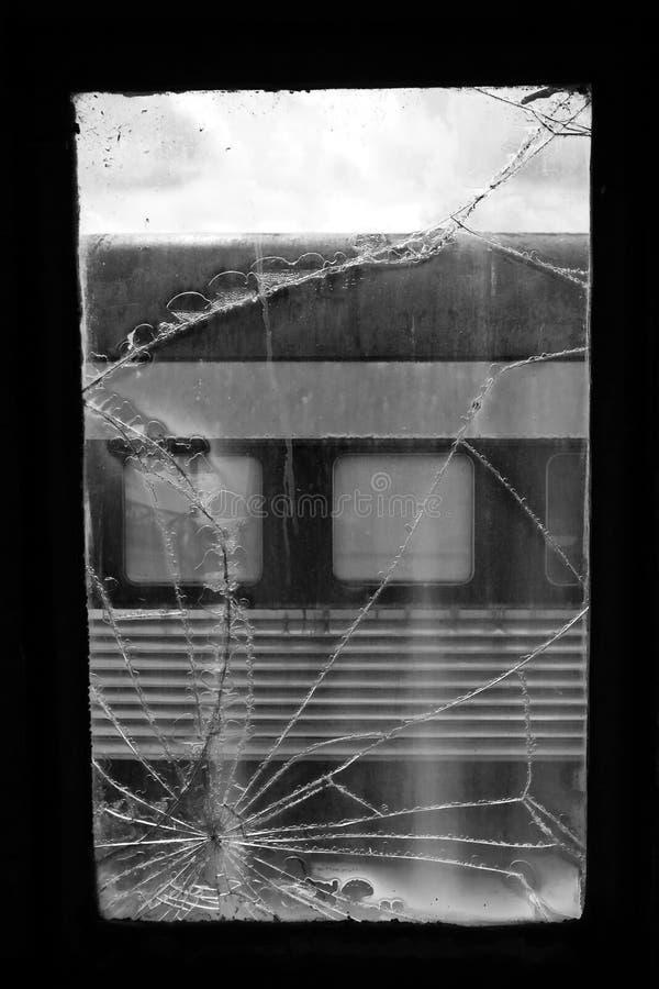 Download Ventana quebrada del tren imagen de archivo. Imagen de ferrocarril - 7285457