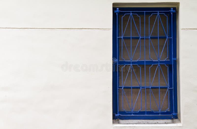 Ventana tradicional del azul del estilo chino imágenes de archivo libres de regalías