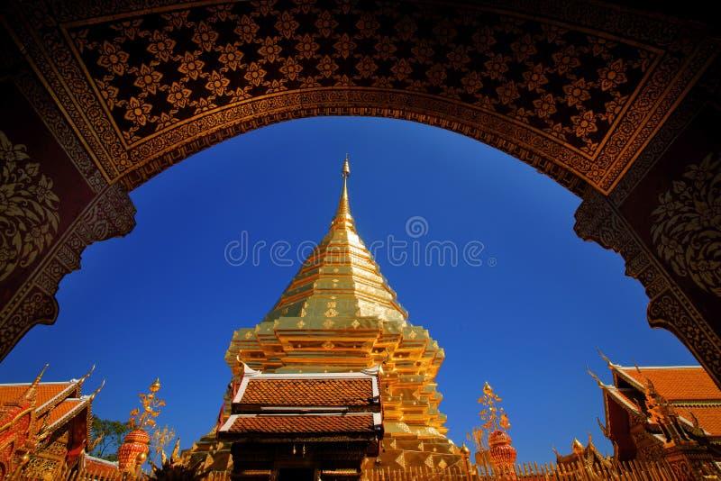 Ventana Wat Phra ese Doi Suthep fotos de archivo libres de regalías