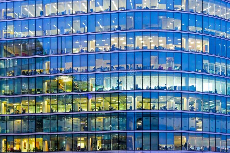 Ventanas azules de la oficina imagen de archivo