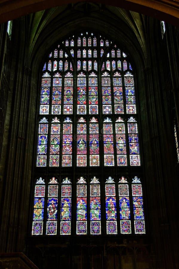 Ventanas de cristal de colores fotografía de archivo libre de regalías