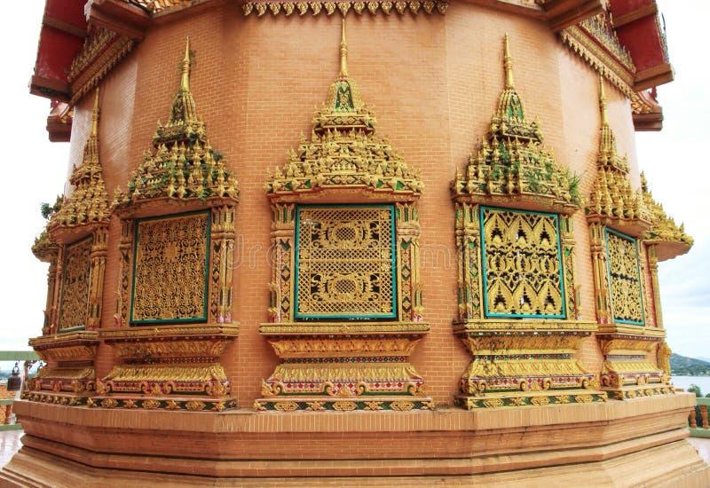 Ventanas hermosas del templo fotos de archivo