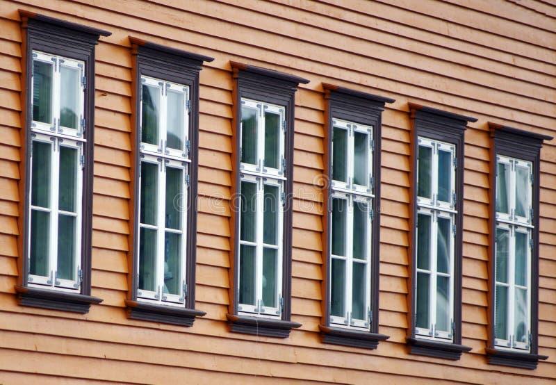 Ventanas noruegas. fotos de archivo libres de regalías
