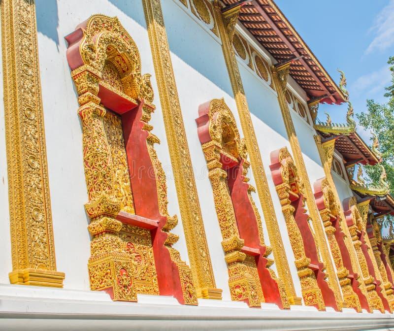 Ventanas tailandesas del templo imágenes de archivo libres de regalías