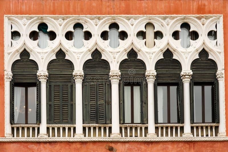 Ventanas venecianas imagenes de archivo
