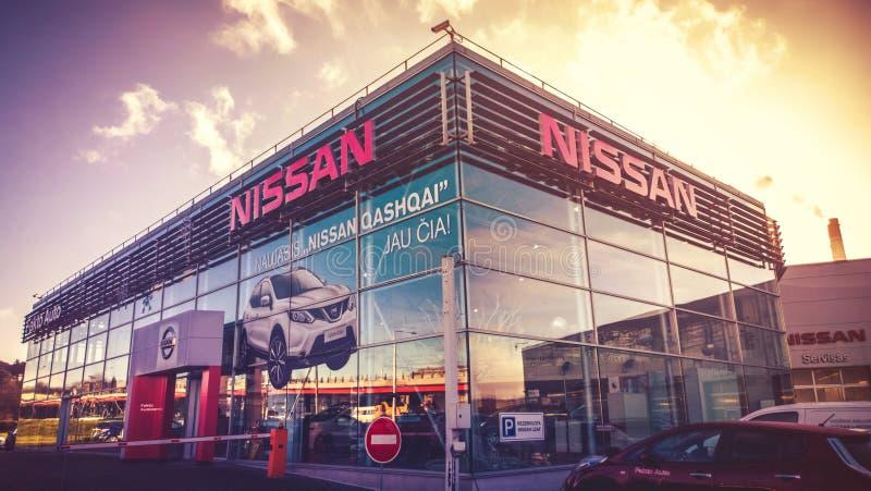 Ventas de Nissan Authorized y centro de servicio fotografía de archivo