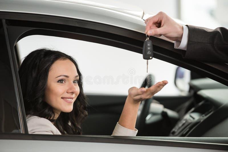 Ventas del coche imagen de archivo libre de regalías