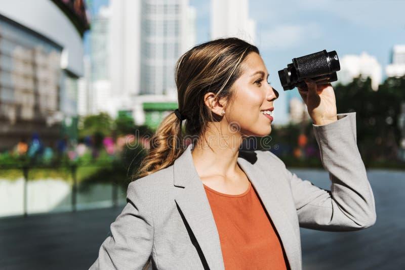 Vente binoculaire d'affaires trouvant le concept de succès photographie stock
