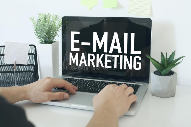 Vente d'email photographie stock