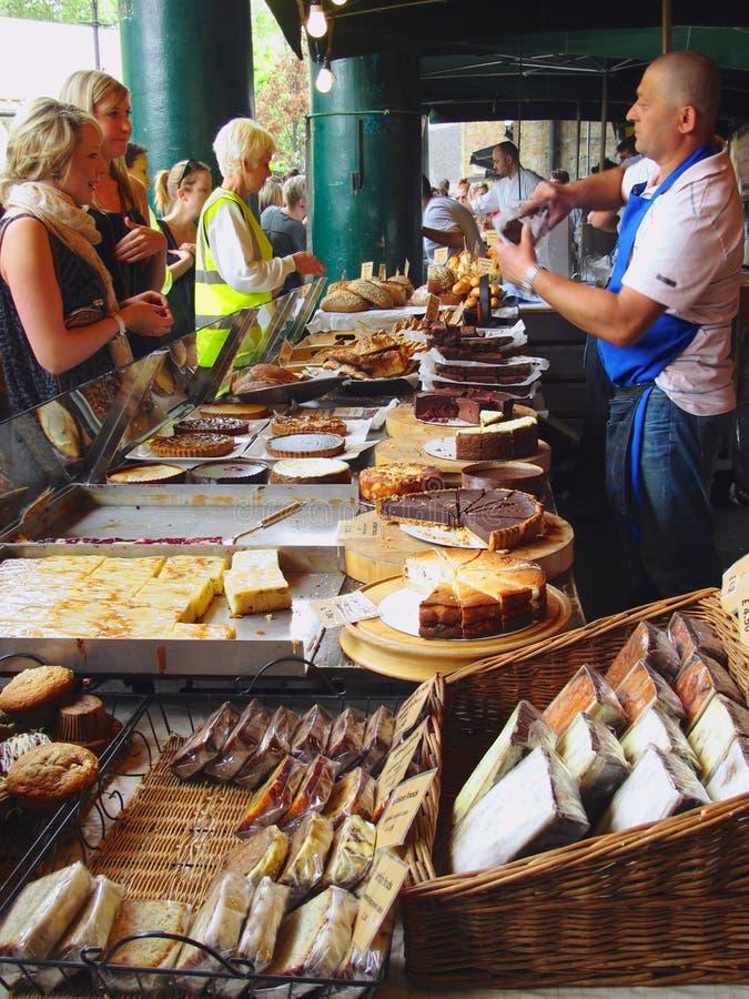 Vente des gâteaux photos libres de droits
