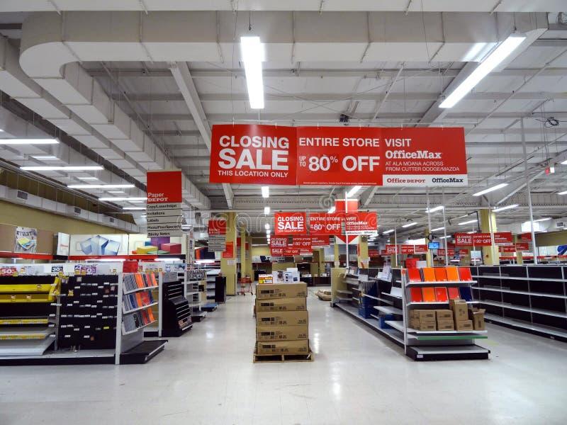 Vente fermante de magasin d'OfficeMax Honolulu photo libre de droits