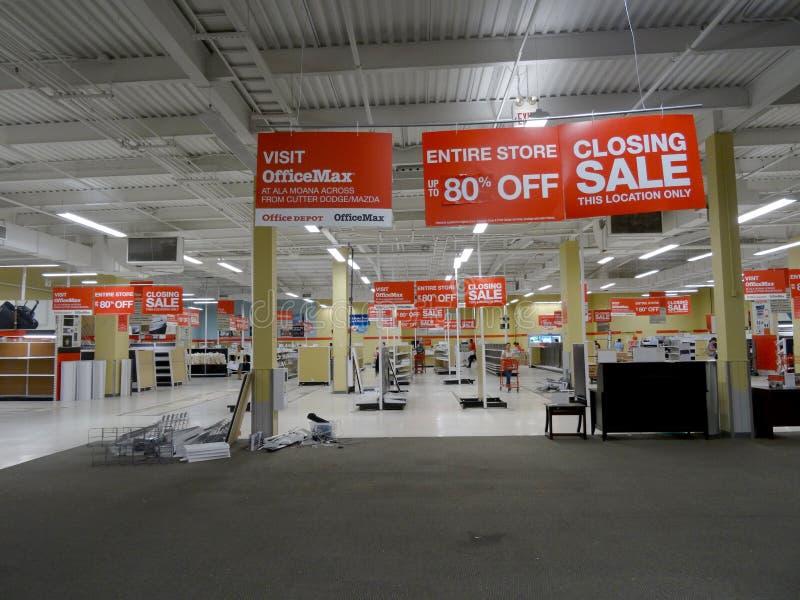 Vente fermante de magasin d'OfficeMax Honolulu photo stock