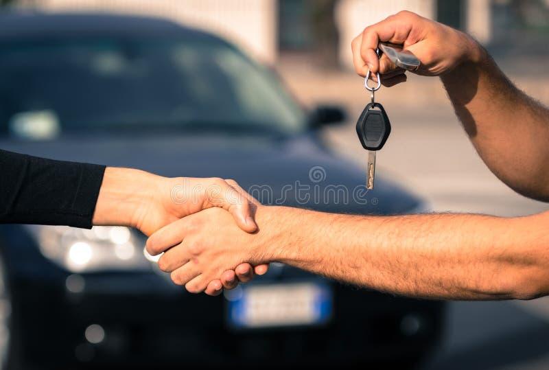 Ventes de voiture photographie stock libre de droits
