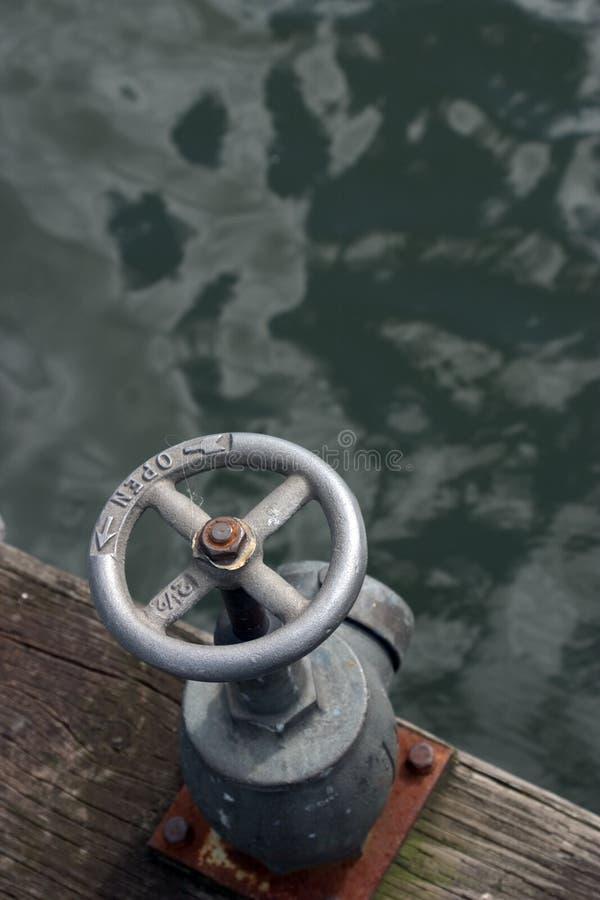 Download Ventil stockfoto. Bild von rund, wasser, kurbel, griff, dock - 39394