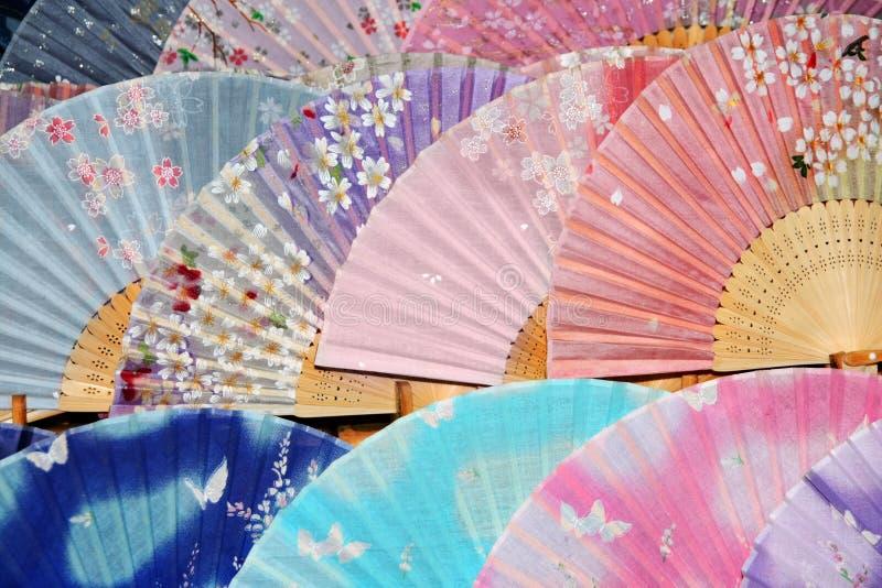 Ventiladores de seda asiáticos imagenes de archivo