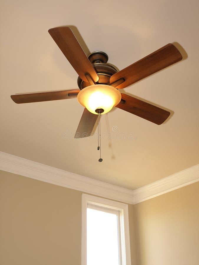 Ventilateur de plafond avec l'hublot 1 photos libres de droits