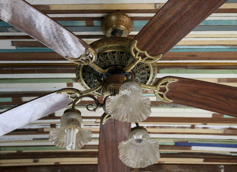 ventilateur de plafond en bois photo stock image 48725055. Black Bedroom Furniture Sets. Home Design Ideas