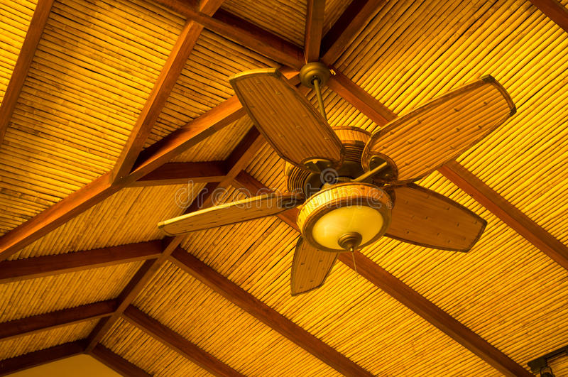 ventilateur de plafond image stock image du antique 30190075. Black Bedroom Furniture Sets. Home Design Ideas