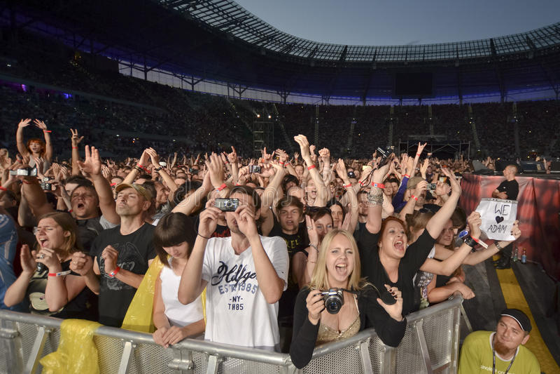 Ventilateurs au concert photos stock