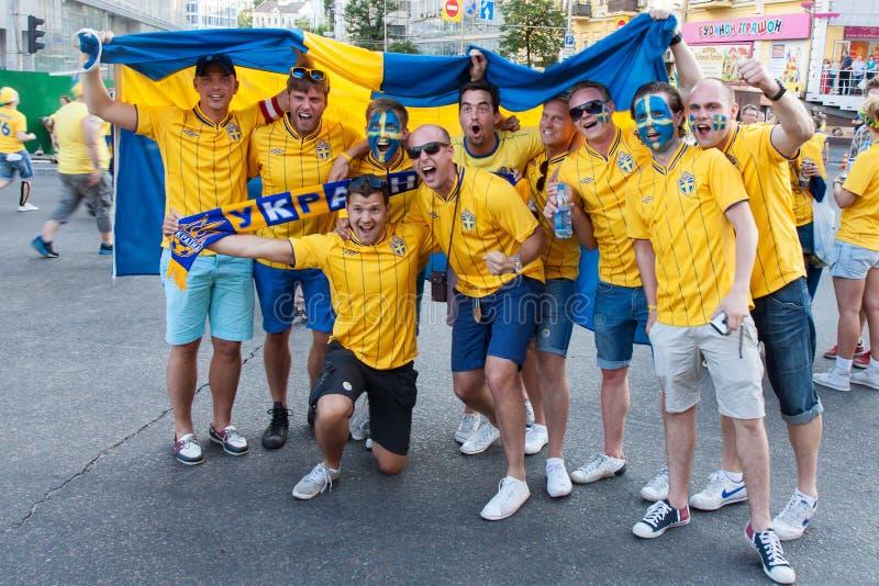 Ventilateurs de l'équipe nationale suédoise photos stock