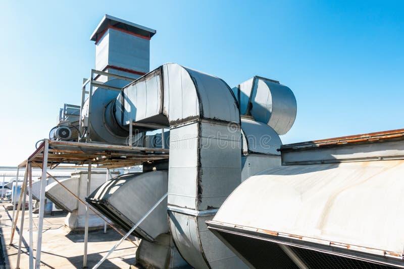 VentilatieLuchtleiding en het Schoonmakende Systeem van HVAC, Uitlaatkap voor Luchtventilator in de Productie van Voedsel Industr royalty-vrije stock afbeelding