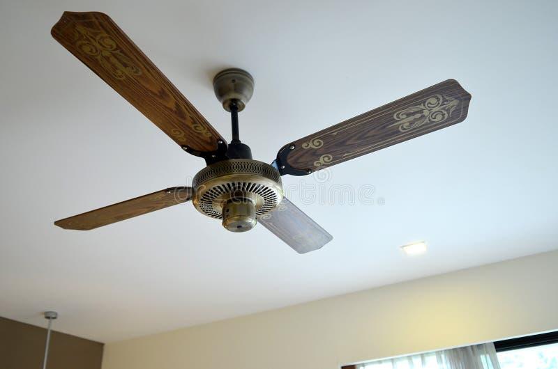 Ventilatore di soffitto di legno immagini stock libere da diritti