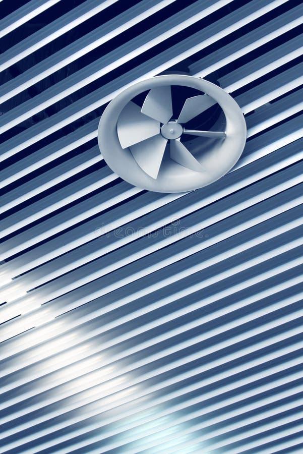 Ventilatore freddo del cunicolo di ventilazione fotografia stock libera da diritti