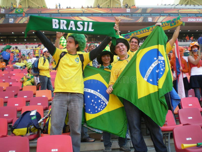 Ventilatori brasiliani della tazza di mondo di calcio immagini stock libere da diritti
