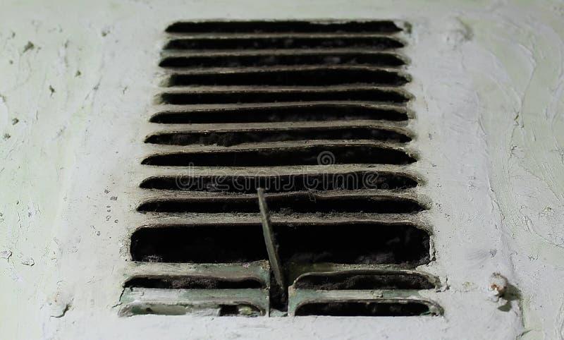 Ventilazione nel bagno fotografie stock libere da diritti