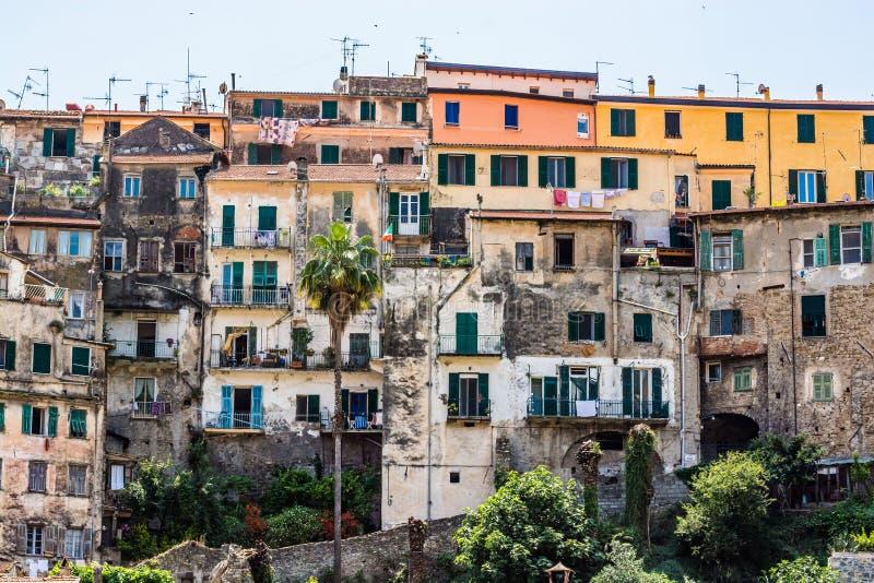 Ventimiglia Imperia, Ligurië, Italië, panorama van de oude stad stock foto