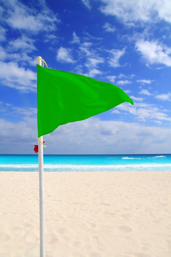 Vento verde i Caraibi del buon tempo della bandierina della spiaggia fotografia stock