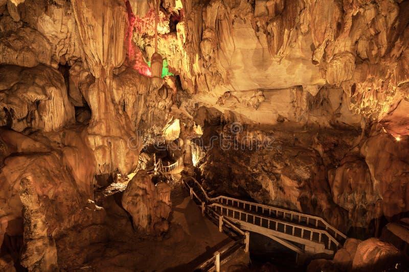 Ventre Jung Cave dans Vang Vieng image libre de droits
