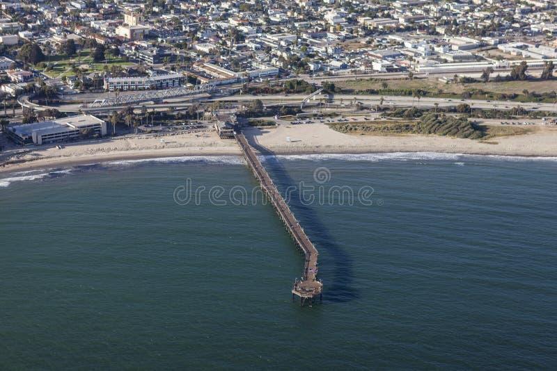 Ventura Pier Aerial lizenzfreie stockbilder