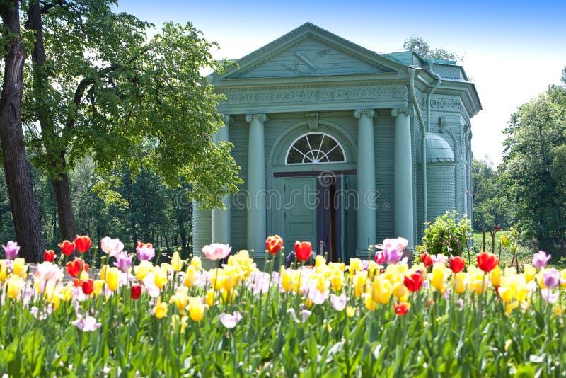 Venuspaviljoen in park Gatchina petersburg Rusland stock afbeelding