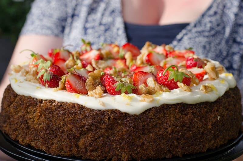 verão do bolo de cenoura imagens de stock